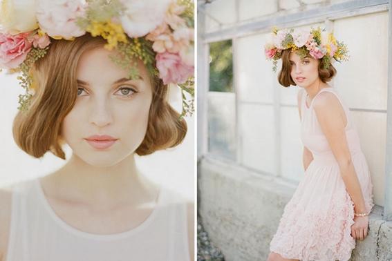 Wianki ślubne, fryzury ślubne z kwiatami, kwiaty we włosach, upięcia włosów z kwiatami