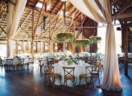 Jesienne wesele w stodole