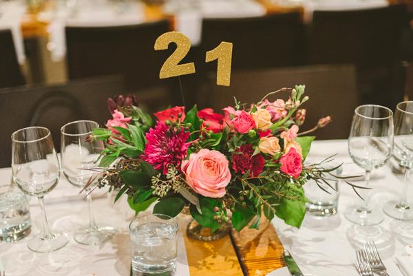 Umowa z lokalem weselnym, Wybór miejsca na wesele, Wybór lokalu na wesele, Miejsce na wesele, Lokal na wesele, Organizacja ślubu i wesele, Umowa na organizacje wesela, Formalności ślubne i weselne,