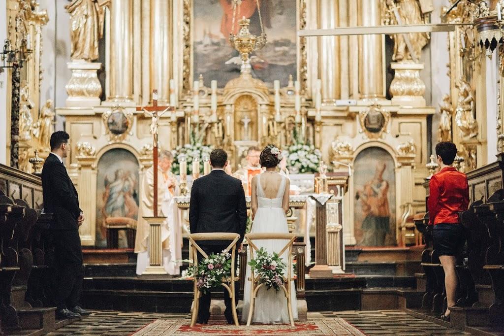Ślub w Krakowie, Ślub w kościele, Czytania podczas ślub w kościele, Modlitwa wiernych, Msza ślubna, Msza święta, Oprawa mszy świętej, Osobista msza ślubna, ślub w kościele