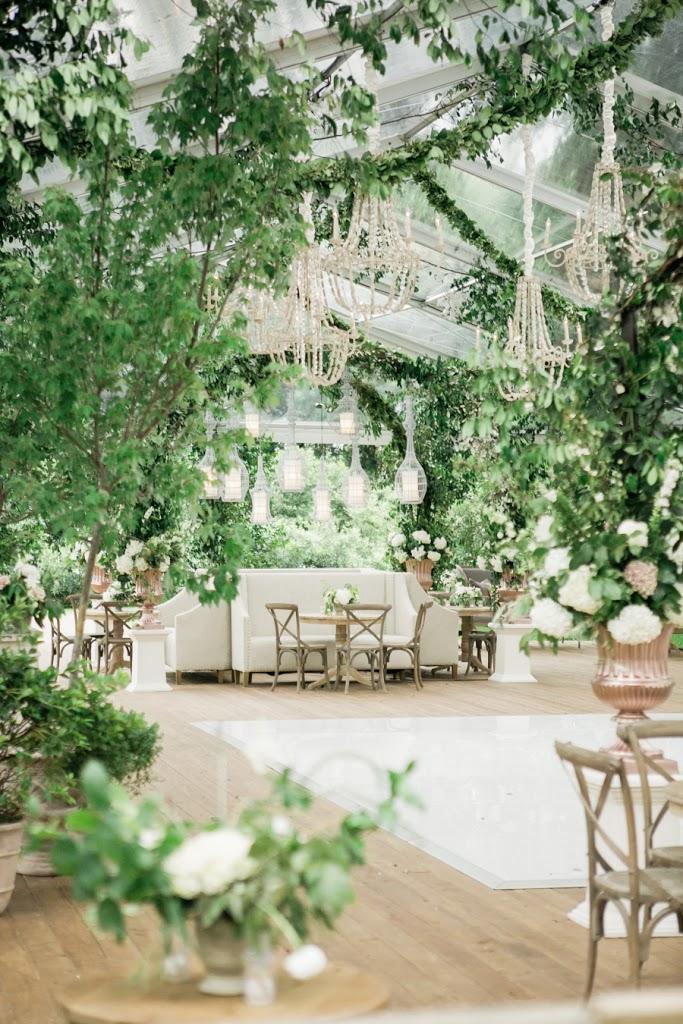 Wesele w namiocie, Wesele pod namiotem, Wesele w plenerze, Organizacja ślubu i wesela w plenerze, Ślub pod gołym niebem, Przyjęcie w ogrodzie, Wesele w ogrodzie, Namiot na wesele, Dekoracja namiotu na wesele, Organizacja wesela, Nietypowe miejsce na wesele