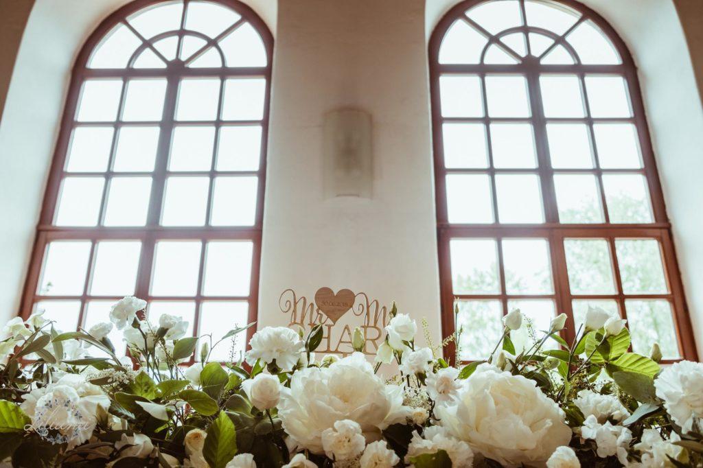 Kwiaty do ślubu, Ślub cywilny w plenerze, Ślub polsko brytyjski, ślub polsko szkocki, wesele w Krakowie, ślub w Krakowie, ślub w plenerze, miejsce na ślub i wesele Kraków, Organizacja ślubu Kraków, Ślub międzynarodowy,