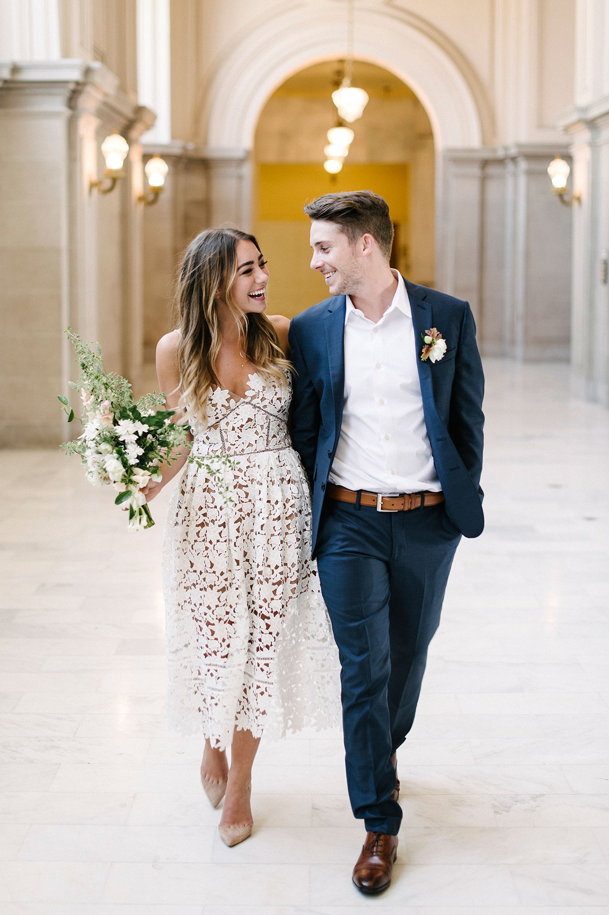 suknia ślubna na ślub cywilny, suknia na ślub, sukienka ślubna, jaka suknia na ślub cywilny, suknia ślubna, ubiór panny młodej, trendy 2019, suknie ślubne 2019, panna młoda