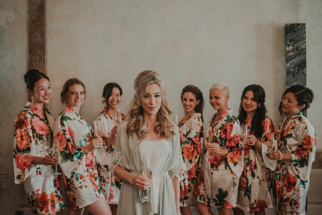 Ślub polsko amerykański, american dream wedding, wedding planner krakow, przygotowania Hotel Stary w Krakowie, zdjęcia ślubne Kraków