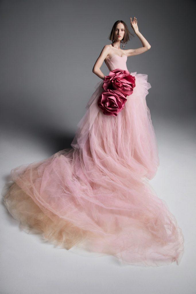Vera Wang bridal 2019 Suknie ślubne 2019 śluby 2019 trendy ślubne 2019 panna młoda szczególy ślubne suknia ślubna modne suknie ślubne projektanci suknie ślubnych inspiracje ślubne blog ślubny moda ślubna