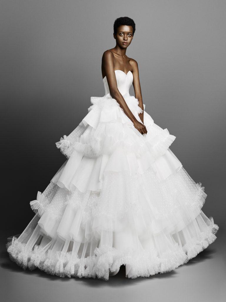 Victor & Rolf bridal 2019 Suknie ślubne 2019 śluby 2019 trendy ślubne 2019 panna młoda szczególy ślubne suknia ślubna modne suknie ślubne projektanci suknie ślubnych inspiracje ślubne blog ślubny moda