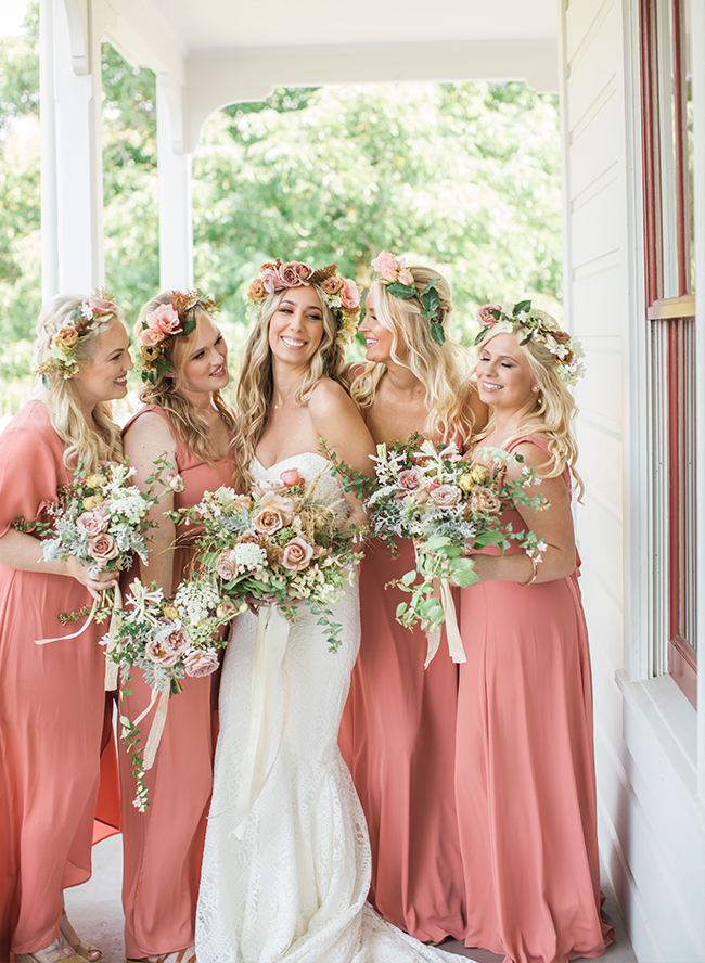 Wianek ślubny, wianek kwiatowy, kwiaty na włosach, zapinka kwiatowa, floral crown, wedding trends, wiosenna panna młoda, ślub na wiosnę, wesele wiosną, spring bride
